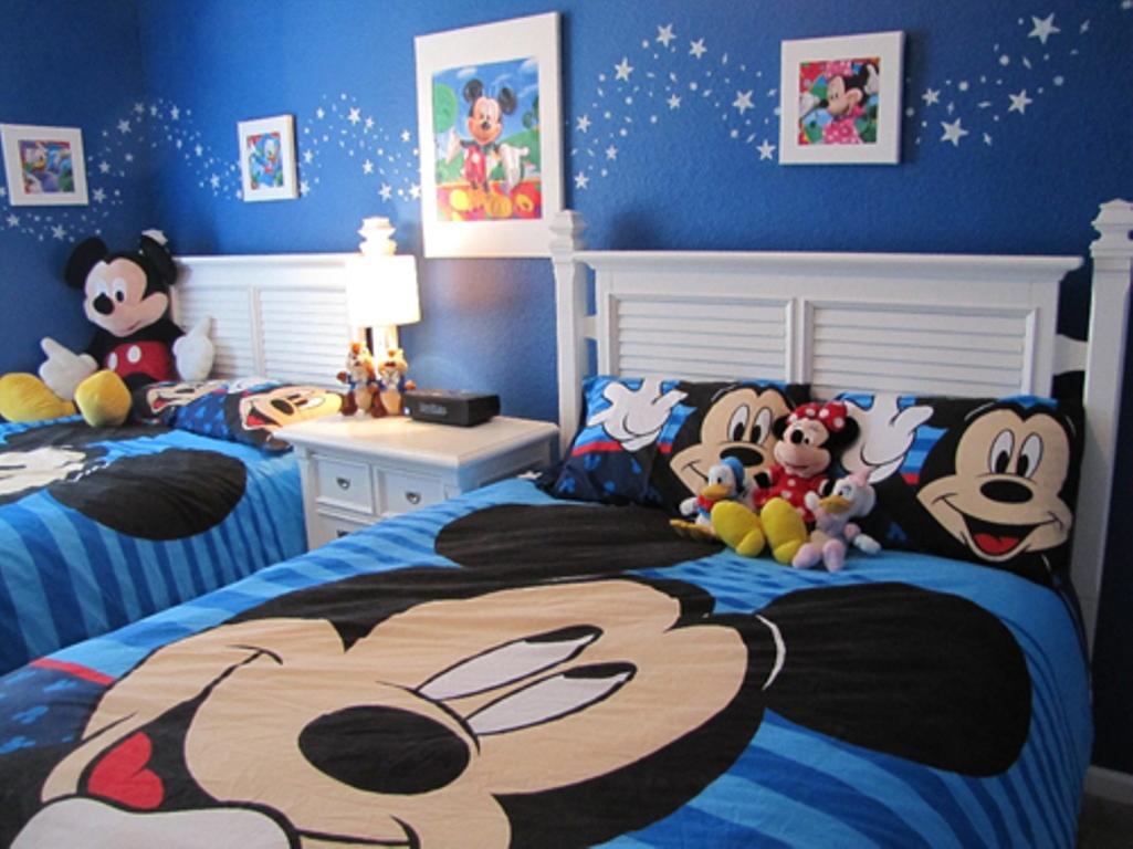 03-miki-egeres-disney-szoba